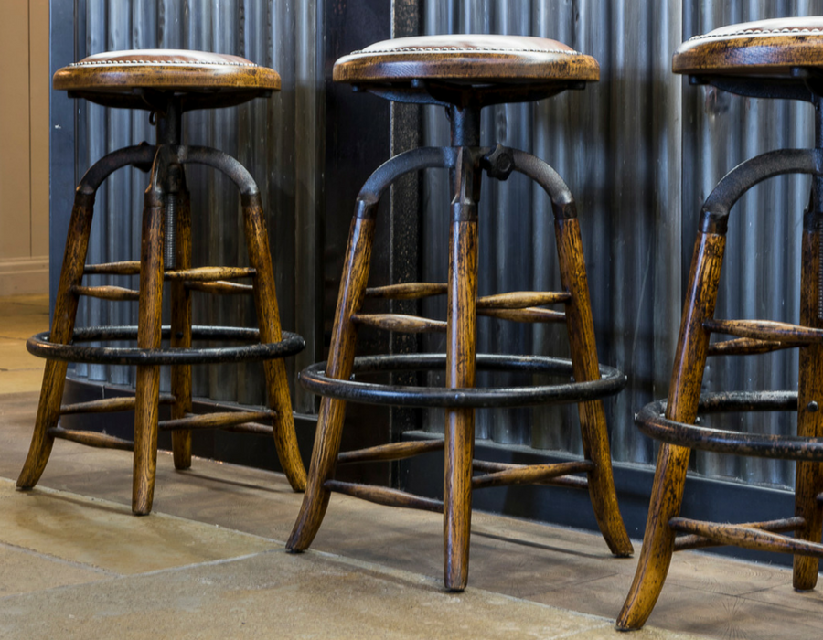Detailed picture of three bar stools